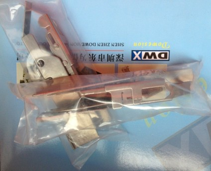 YAMAHA飞达压料盖KW1-M2240-010 KW1-M2240-01X TAPE GUIDE ASSY Part nr.: 9498 396 01981